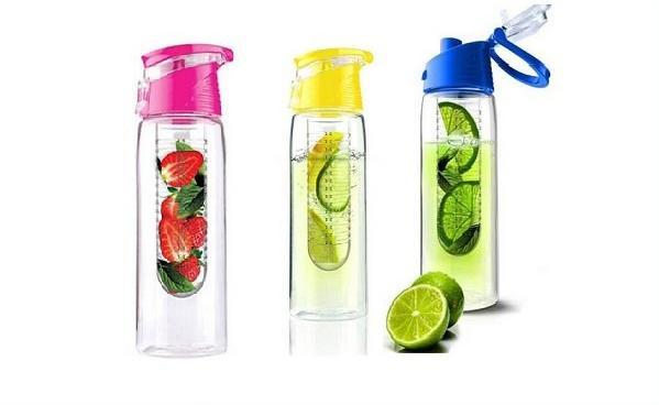 Plastová láhev s infuzérem na ovoce lahve 800 ml